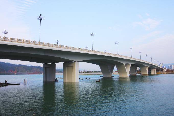 张家界市鸬鹚湾大桥